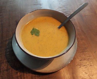 zoete bataat courgette soep