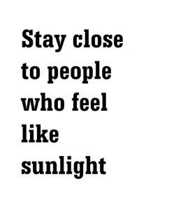 duurzame-kaart-met-tekst-stay-close-to-people-who-feel-like-sunlight